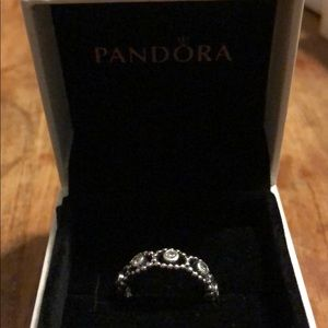 Pandora her majesty ring